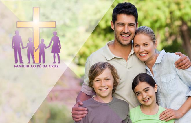 Família ao pé da cruz