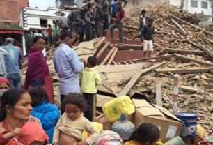Número de mortos por terremoto no Nepal já chega a 4 mil