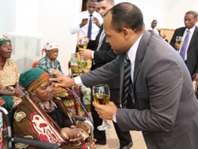 Consagração especial dos avós; em Maputo