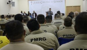 Universal inaugura igreja no presídio 2