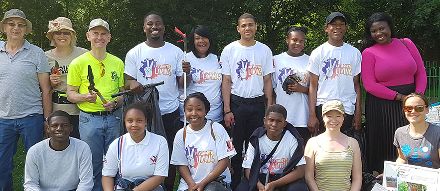Catford VYG help out at Forster Memorial Park